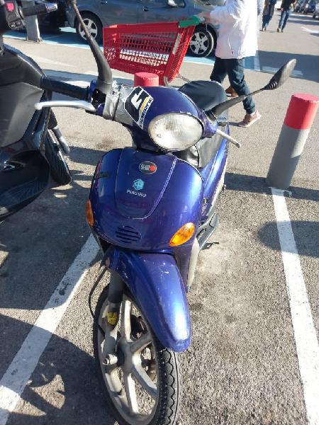 Moto 50cc piaggio liberty 295€
