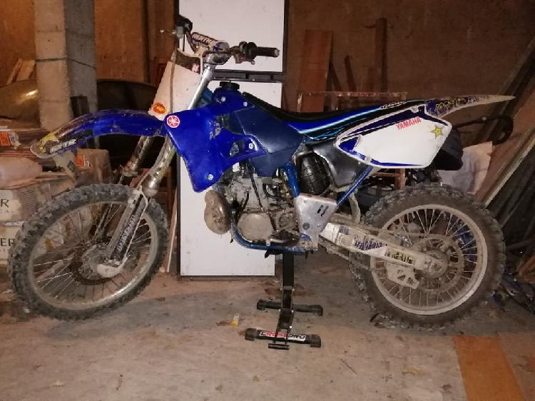 Moto de cross yamaha yz 250cc 2t