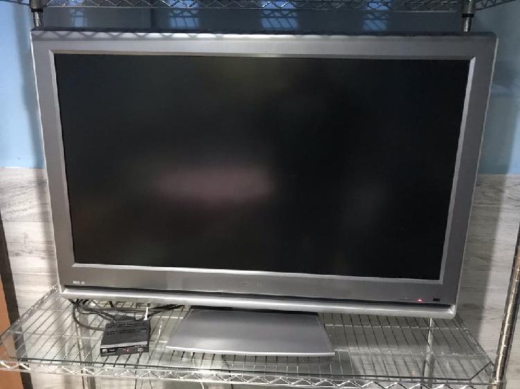 Televisor grande toshiba