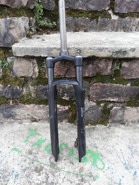 Suspensión magnesium y sillín velo