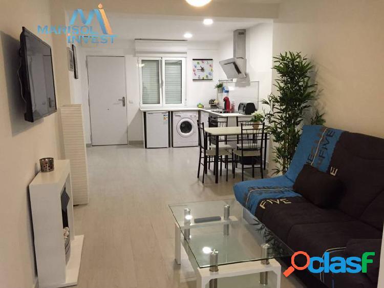 Apartamento en el centro de benidorm.2dorms, 1baño completo, salón con terraza. cerca playas