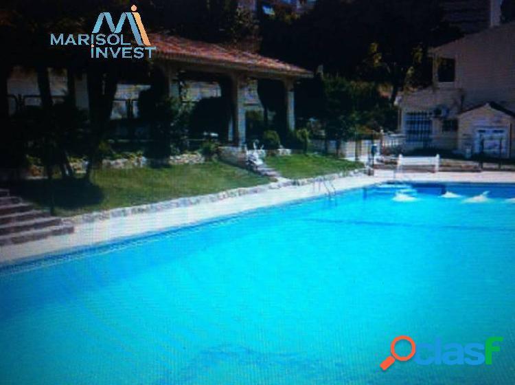 Bungalow rincón de loix. 1dorm, 1 baño completo, salón con terraza. parking y piscina comunitaria