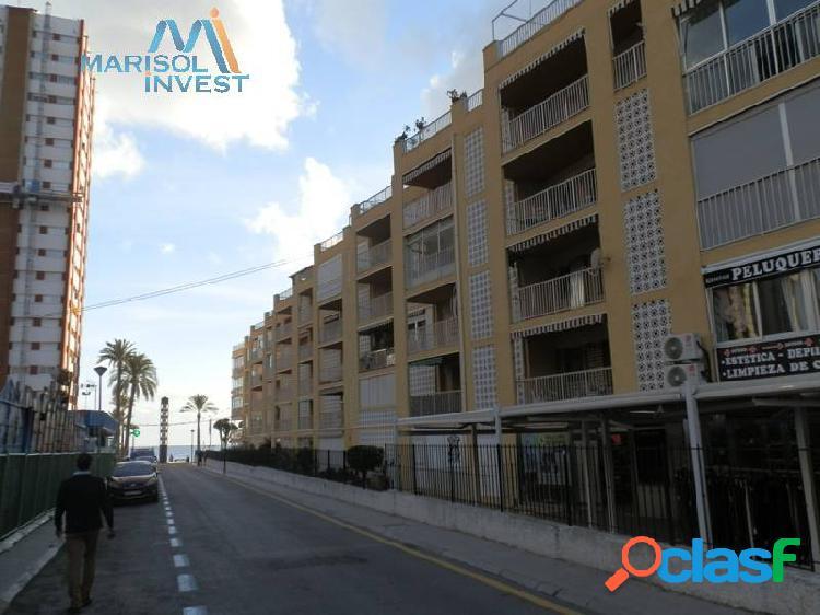 Piso en avd.mediterraneo.3dorms,2baños,cocina, gran salón con terraza acristalada. parking