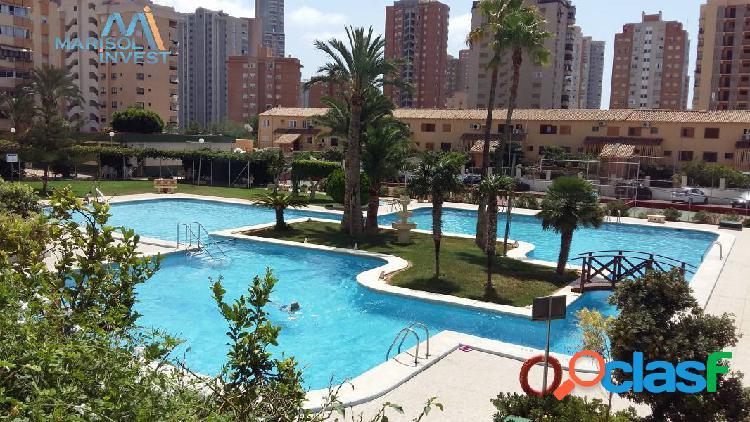 Apartamento en zona juzgados.2dorms, 1baño, cocina. salón y terraza acristalada. parking y piscina