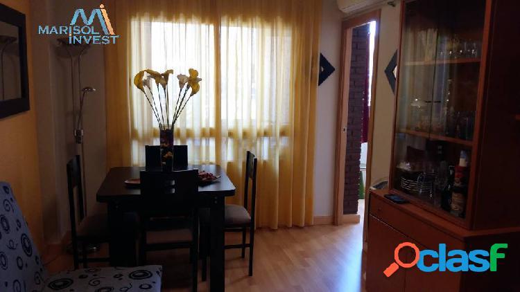 Apartamento zona levante. 1dorm.1baño,cocina, salón y terraza acristalada,parking. cerca playa