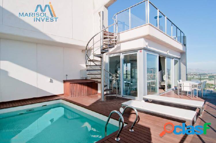Espectacular ático-dúplex en poniente. 3dorms,2baños, cocina, salo amplio, terraza abierta.piscina