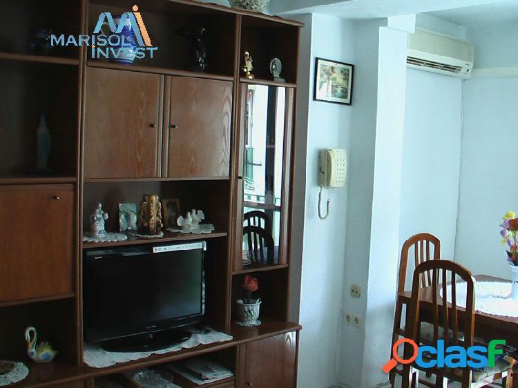 Apartamento en jaime i. 2dorms, 1baño,cocina y salón. buen estado. cerca de playa poniente