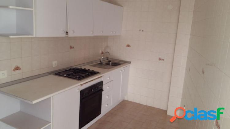 Apartamento zona l`aigüera 2dorms.2baños, cocina con galeria, salón amplio.piscina en la cubierta