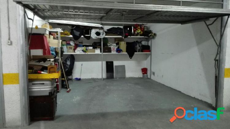 Garaje cerrado, buen estado, zona mercadona-centro