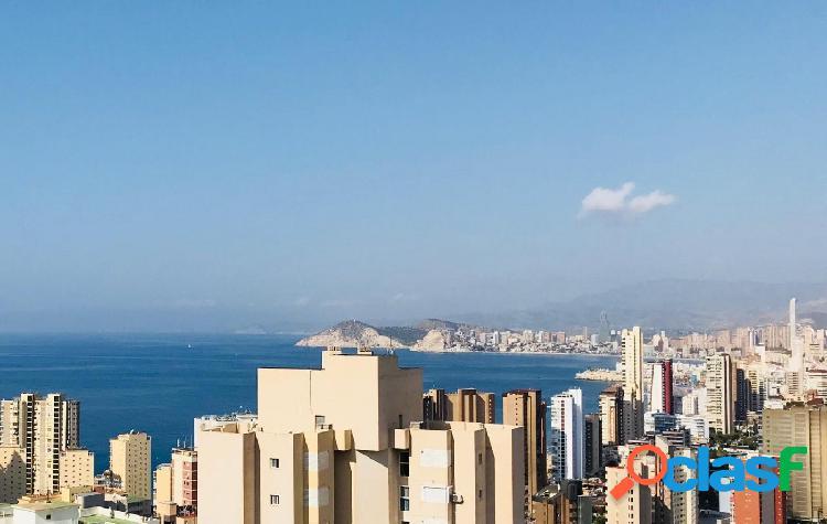 Benidorm levante 2 dormitorios piscina y garaje vistas al mar