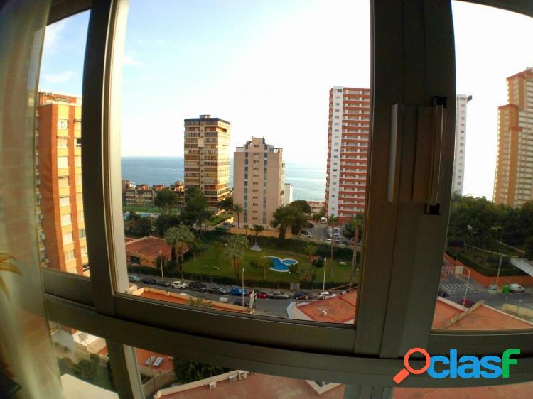 Apartamento cerca del mar con parking y piscina en excelente urbanizacion