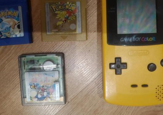 Game boy color amarilla