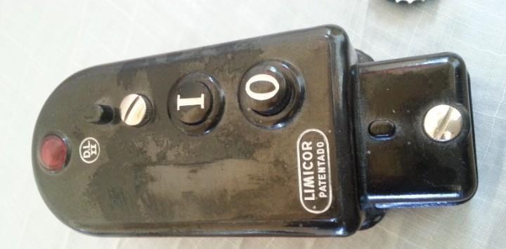 Interruptor de mando en baquelita negra. nuevo. a estrenar