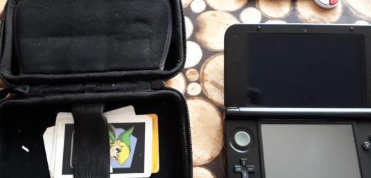 Nintendo 3ds xl azul negro y juegos sueltos