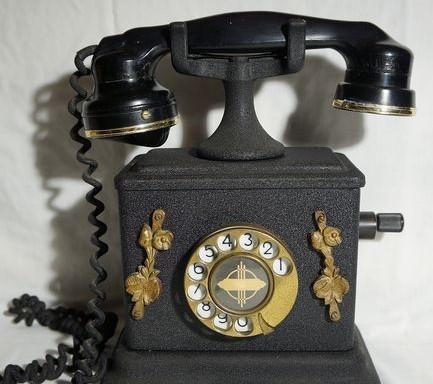 Teléfono antiguo. origen belga. años 50-60. fabricado en