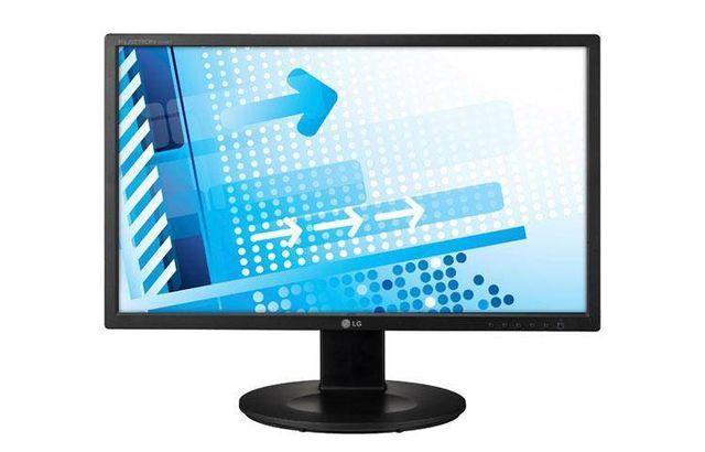 Vendo monitor para ordenador de mesa con cables
