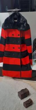 Chaqueta color rojo y negro marca nua&nua 38