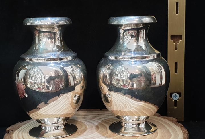 Par de jarras en plata ley marcada con contraste