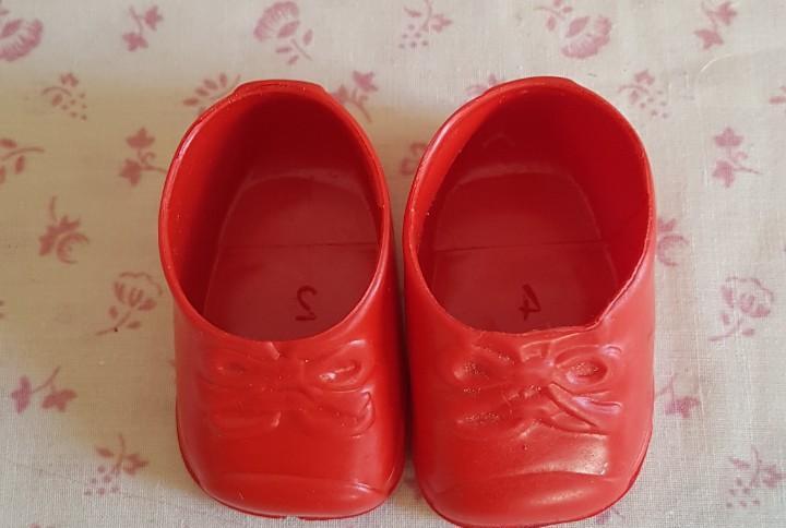 Aa85 - botitas rojas de goma - 6,5 cm. de suela