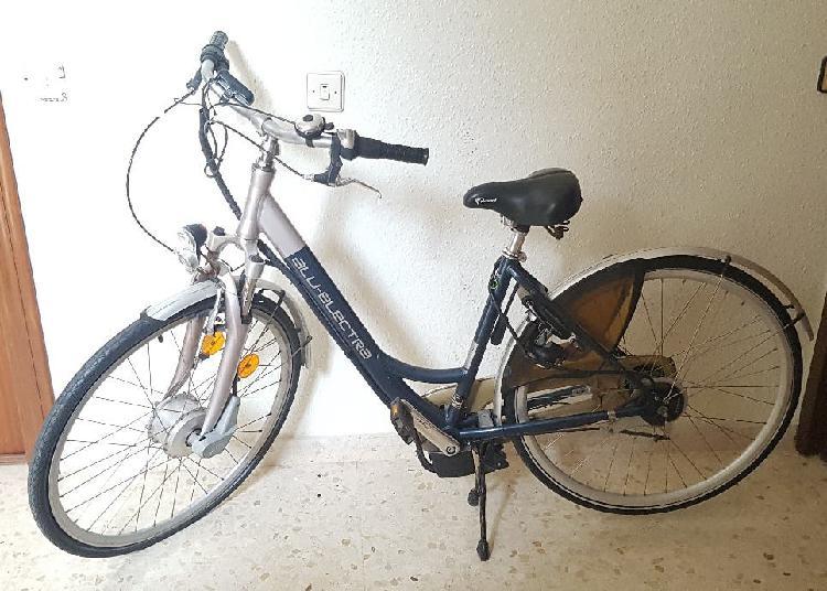 Bici eléctrica cambios shimano y dynamo