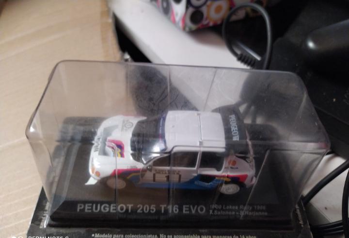 Blister precintado coche peugeot 205 t 16 evo rally rallye