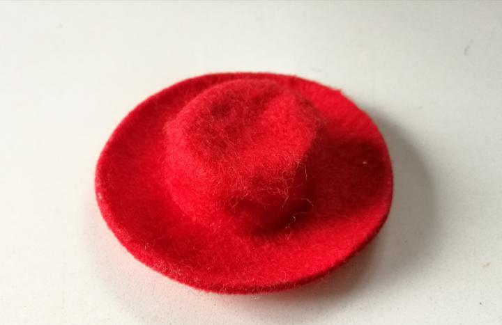 Barbie benetton sombrero rojo años 90