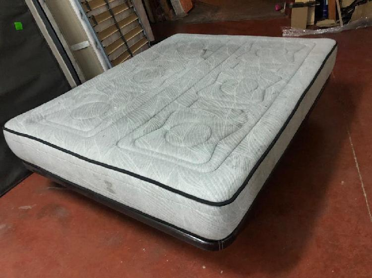 Base tapizada polipiel y colchón visco 150x190