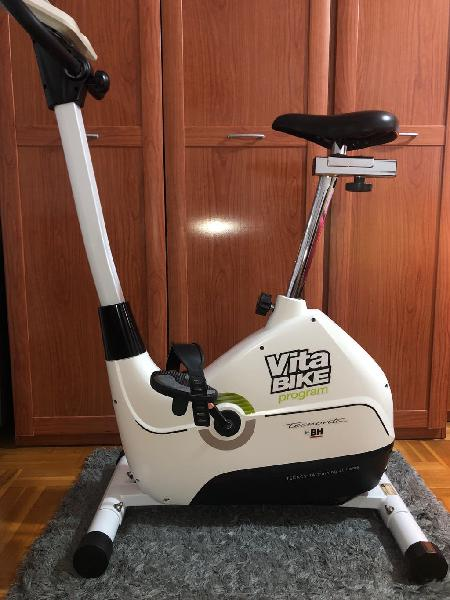 Bicicleta estática bh tecnovita vita bike
