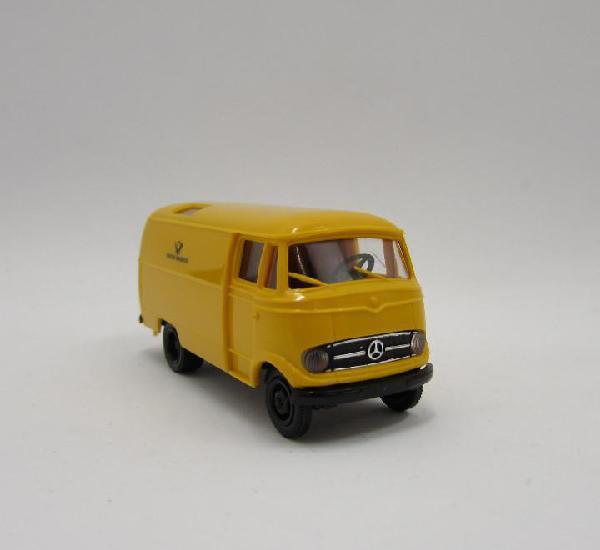 Brekina mercedes benz l319 cerrada 1956-1967. escala 1/87 h0