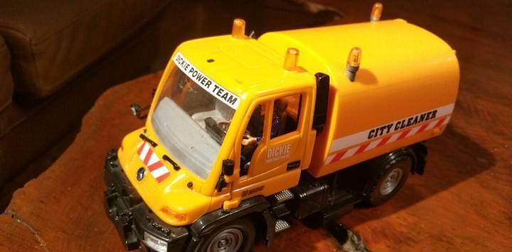 Camion mercedes limpieza de calles 22 cm
