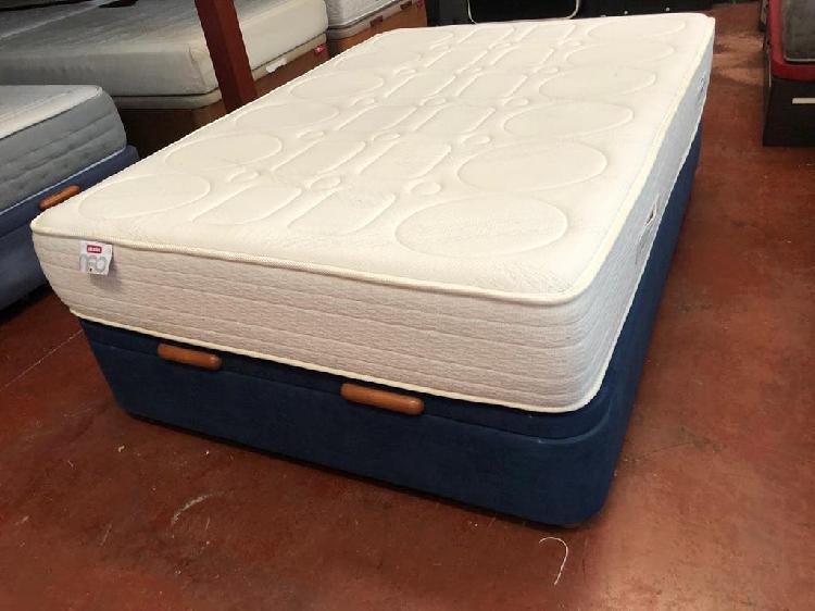 Canapé microfibra y colchón pikolin visco 135x190