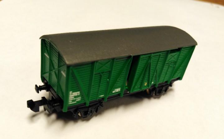 Ibertren vagon cerrado j-3 (n) verde adif (ral 6029)