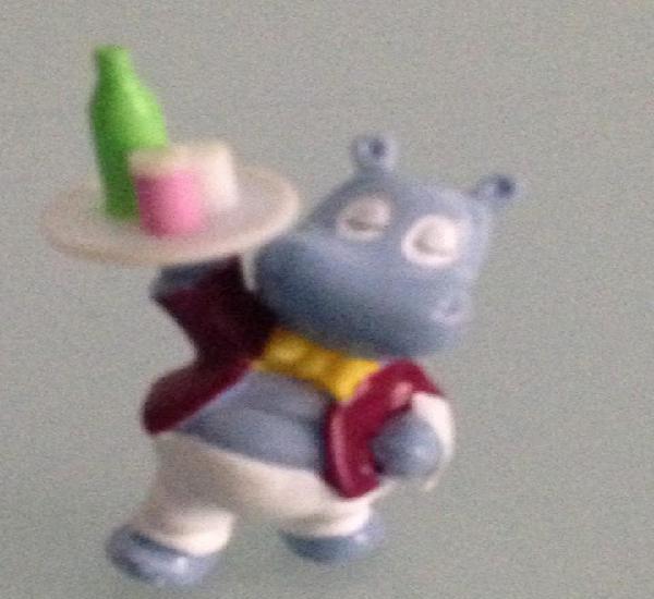 Kinder,the hippos, hipopotamo camarero