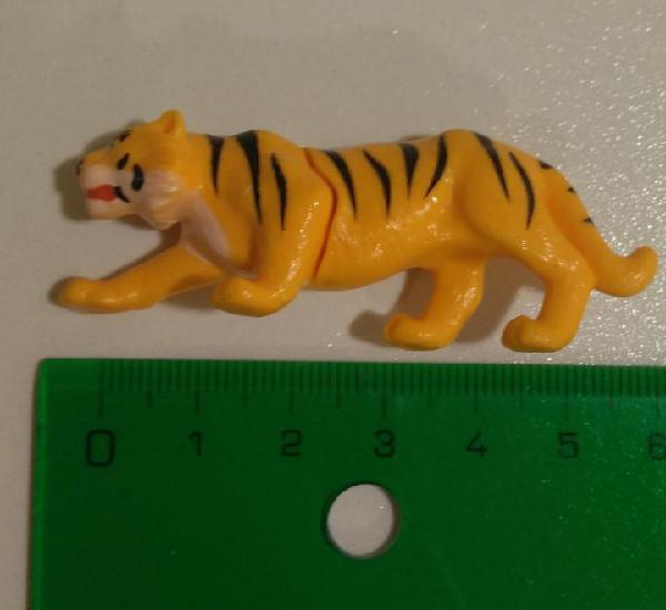 Kinder tigre animal planet pantera panthera tigris natoons