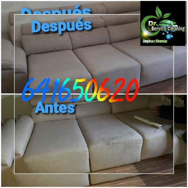 Le damos la mejor limpieza a su sofá a domicilio