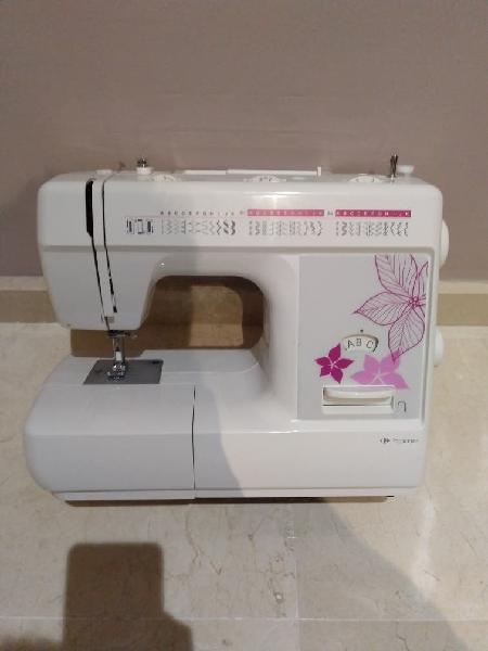 Maquina de coser nuevaaa!!