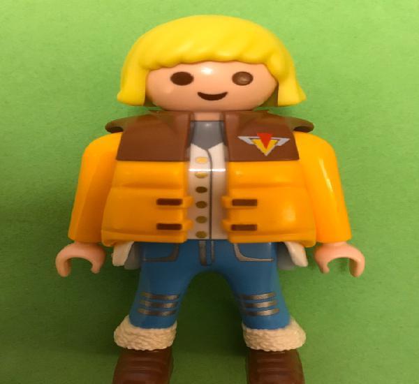 Playmobil chica mujer polar abrigo amarillo acolchado botas