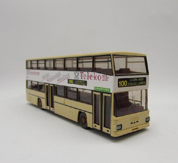 Wiking 731 autobus urbano dos plantas man d89. escala 1/87