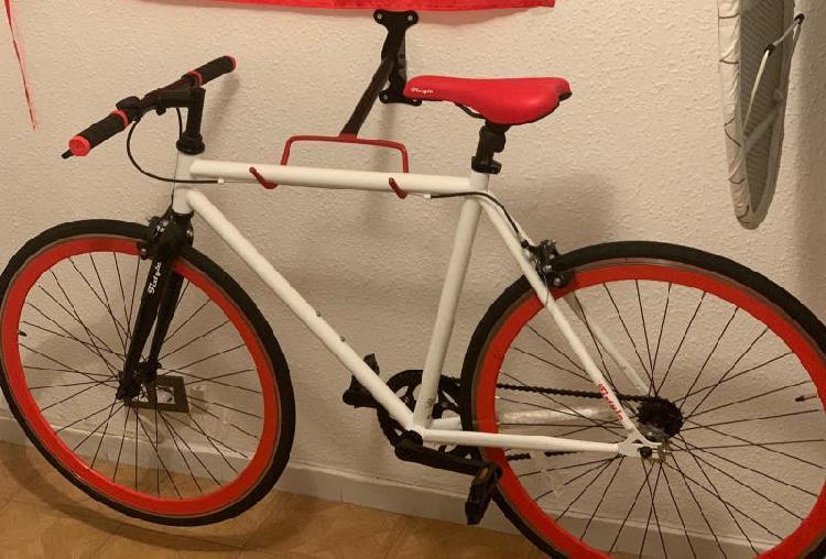 Bicicleta de ciudad tipo fixie ( muy pocos usos )