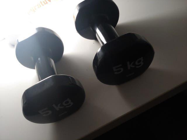 Estan nuevas sin usar son de 5kg, son de goma. cua