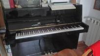 Piano yamaha c110a