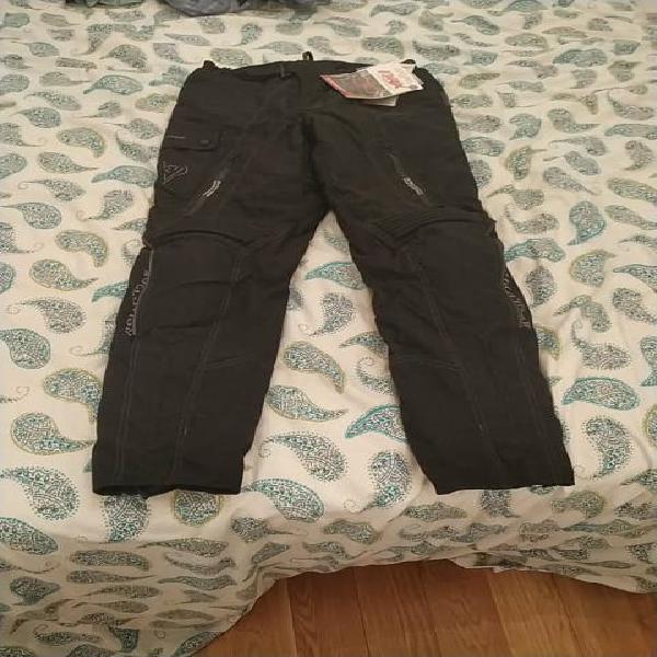 Pantalón impermeable protector