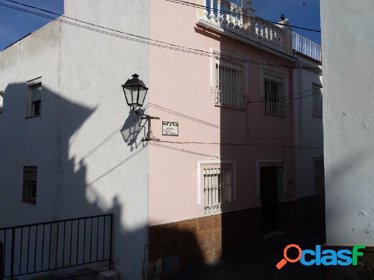 Oportunidad procedente de entidad bancaria - casa 4 dormitorios 2 baños y gran terraza.
