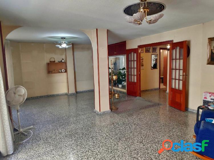 Altamar alicante vende piso de 130 m² en el centro de alicante