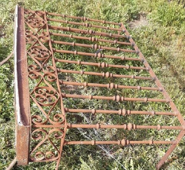 Balcon de forja antiguo 153 cms de largo x 102 alto x 49 de