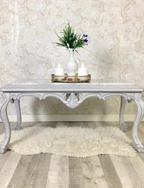 Mesa centro madera tallada vintage