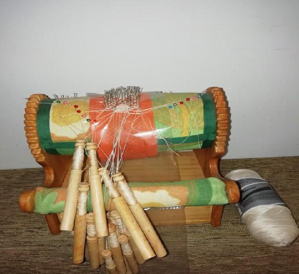 Máquina o rodillo para hacer bolillos, lleva rollo de hilo