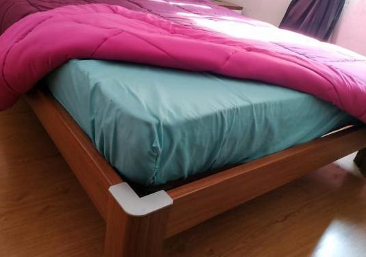 Mueble soporte cama matrimonio