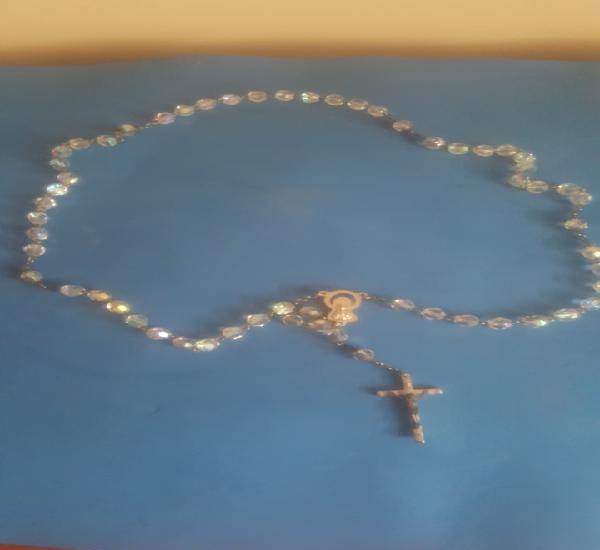 Precioso rosario antiguo de cuentas de cristal de roca