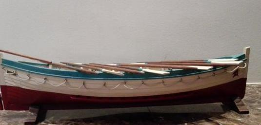 Barca menorquina de madera hecha a mano